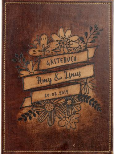 Personalisiertes Hochzeitsbuch mit floralen Motiven